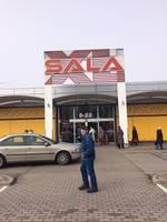 Дополнено – Пропало электричество, в «XL Sala» не работали автоматические двери