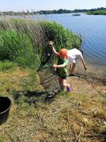 Учились рыбачить, соревнуясь