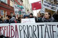 Медработники проведут еще одну акцию протеста, требуя отставки министра здравоохранения и роспуска Сейма