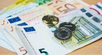 По предварительным данным, ВВП Латвии в первом квартале уменьшился на 2,2%
