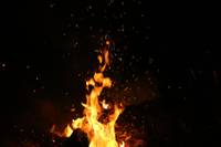 В Лиепае горели двери квартиры, бумага и оставленная без присмотра еда