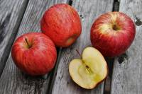Магические яблоки