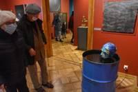 Инсталляцию «Купание Сабине» изъяли с выставки