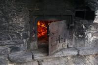 В печах сжигают все, что горит. Загрязнение воздуха – серьезная проблема