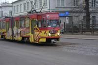 Трамвай сошел с рельсов; движение восстановлено