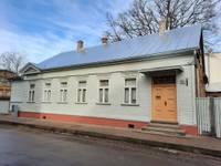 Деревянный дом XIX столетия на ул.Рожу обрел новую кровлю