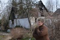 20 минут имеют значение. Лишившись дома в результате пожара, женщина вынуждена жить в теплице