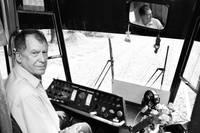 В память об убитом Агрисе Лаугалисе сегодня на мгновение будет приостановлено движение трамваев