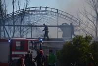 Пожар в Гробине локализован, пострадал пожарный