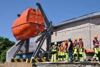 Для обучения будущих моряков приобретена спасательная лодка закрытого типа