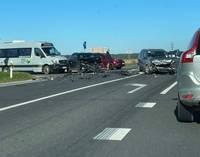 На Лиепайском шоссе столкнулись три автомашины