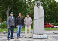 Открыта табличка на памятнике поэтессе Мирдзе Кемпе